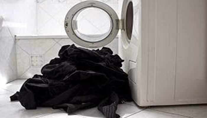 cómo lavar ropa oscura