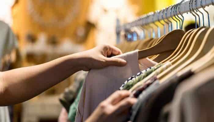 como limpiar ropa de segunda mano
