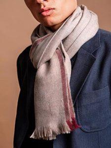 bufandas con bordes de contraste